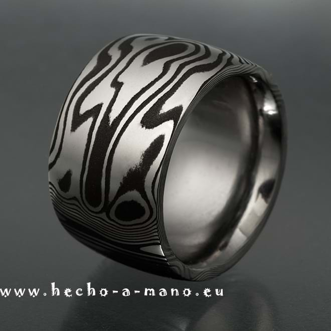 Damascus Steel Ring Niobes Ring (click for Details)